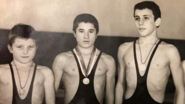 Интересна снимка на Гриша Ганчев като борец се разпространява в мрежата