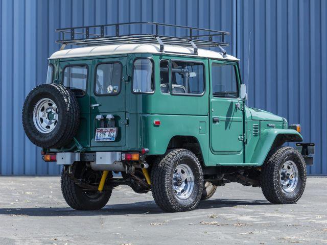 Том Ханкс продава и Toyota-та си Land Cruiser, направена специално за него