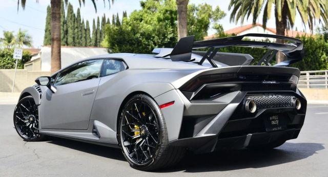Търсите ли си употребявано Lamborghini Huracan STO за половин милион евро?