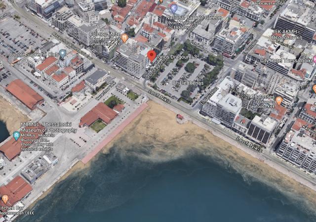 Куха фирма, свързана с Пеевски, купила офис сграда в Солун за €4 млн.