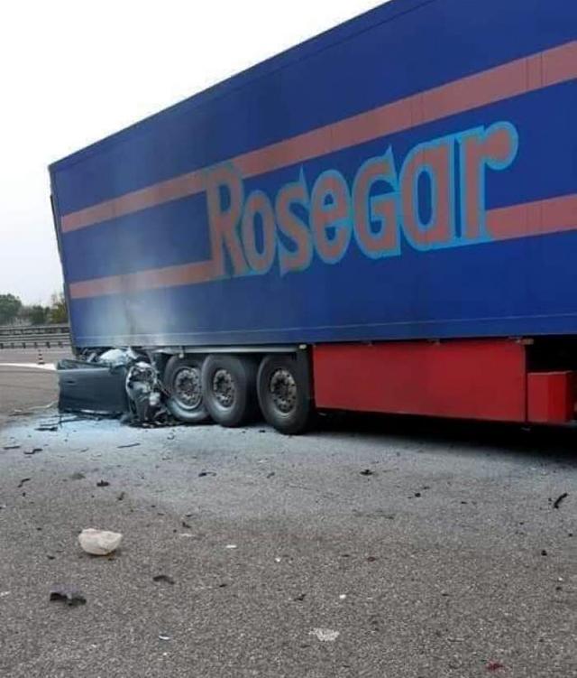 Това са последствията от удар с 260 км/ч в TIR на магистралата