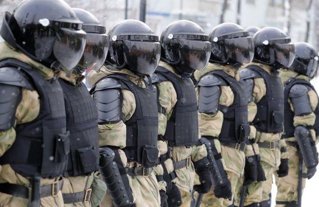 Стотици арестувани в Русия (СНИМКИ)