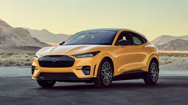 Изкуствена миризма на бензин ще връща усещането при електрическия Mustang