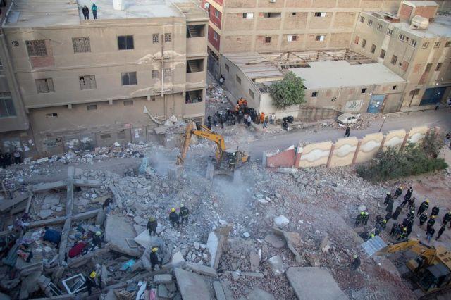 Няма данни за пострадали българи в Кайро (СНИМКИ)