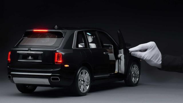 Най-евтиният Rolls-Royce Cullinan бе продаден на цената на Dacia