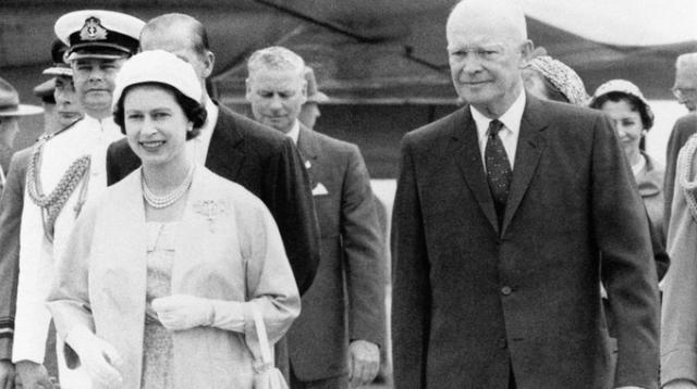 Падна любопитна тайна за Елизабет II и американски президент