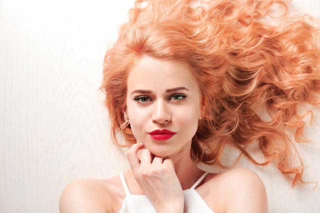 Този цвят на косата ще е хит през 2020 (СНИМКИ)
