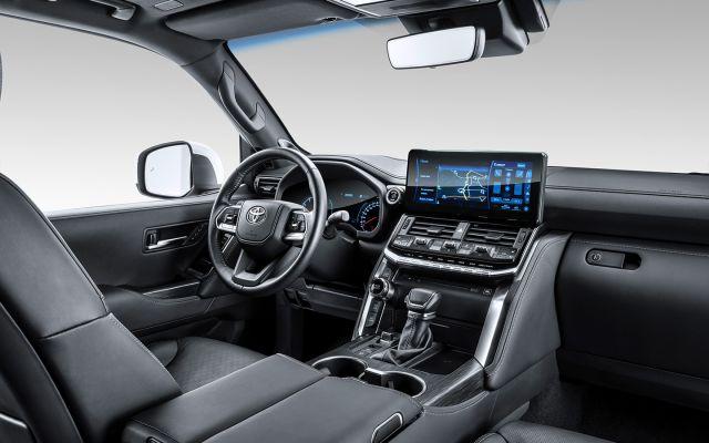 Новата Toyota Land Cruiser 300: отговаряме на основните въпроси за новия всъдеход