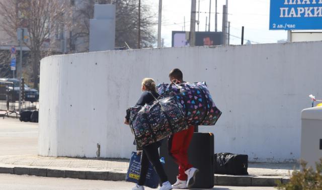 Българи се прибраха от Испания и Германия, пуснаха ги без преглед