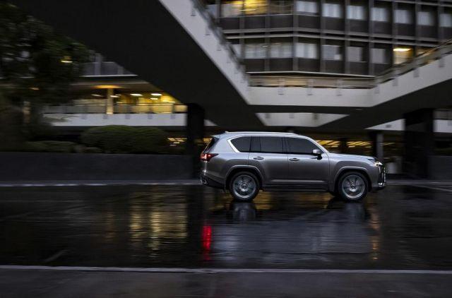Lexus показа изключително грозния LX