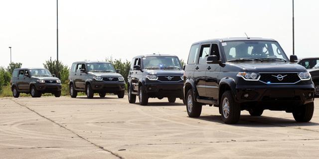 Сръбската армия се качва на УАЗ