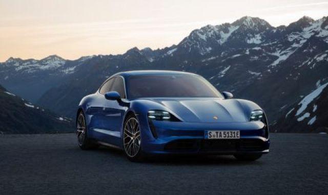 Porsche не смогва с производството на Taycan