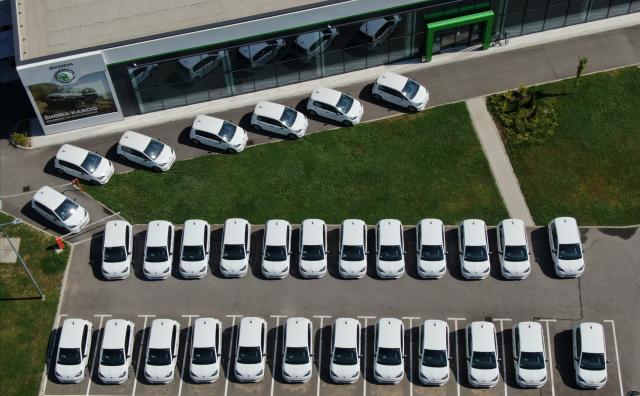 Новите коли на Spark у нас са бели и са... Skoda