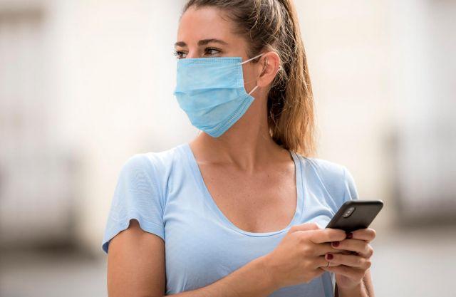 Отключвате своя iPhone с Face ID, докато носите маска