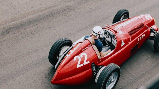 Направи си сам: За  000 стара Mazda се превръща в болид от Формула 1