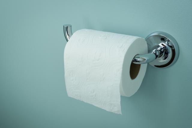 С колко тоалетна хартия ще преживеем COVID-19