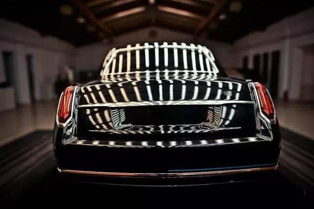 Малкият китайски Rolls-Royce се изправя срещу BMW 5er и Е-Klasse
