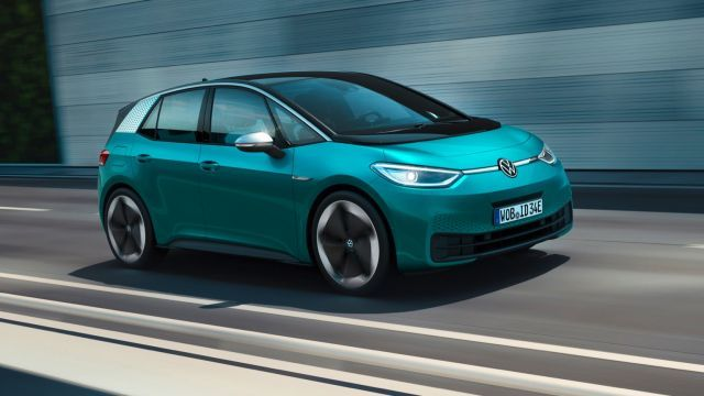 Volkswagen иска да задмине Tesla по продажби на ел.коли в следващите 4 години