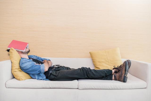Как да повишите енергията си, докато сте затворени вкъщи