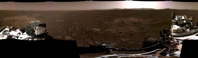 Зрелищно ВИДЕО от кацането на Марс и 360-градусов изглед от повърхността