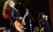 Идва филм за легендарна рок група