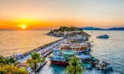 Турчин отказа да плати сметката в ресторант и скочи в морето
