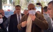 Борисов с маска: Нали са ми големи ушите (ВИДЕО+СНИМКИ)