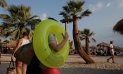 14 от новите случаи на COVID-19 в Гърция са на туристи