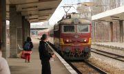 Глобиха хулиган, нападнал възрастен мъж във влака Русе – София