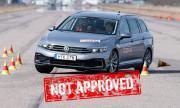 Passat GTE и Superb iV се издъниха в лосовия тест (ВИДЕО)