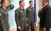 Първите пилоти, които ще летят с F-16, отидоха при президента Радев