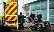 Лондон зове над 65 000 бивши служители в здравната система да се върнат