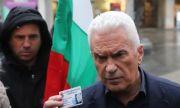 Атака поиска оставката на министъра на отбраната