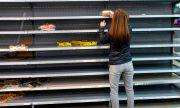 Британците грабят основни хранителни стоки от магазините