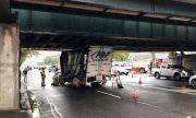 """""""Мостът на глупостта"""", под който вече има над 100 пострадали автомобила"""