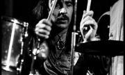 Почина барабанистът Лий Кърслейк