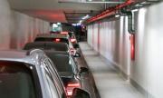 Клиенти на столичен мол останаха блокирани с часове в колите си