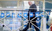 Разхлабването продължава! Позволяват повече посетители в старческите домове в Англия