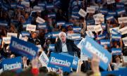 Бърни Сандърс се оттегли от президентската надпревара
