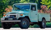 Продава се 47-годишна Toyota Land Cruiser с 5.7-литров V8 под капака