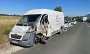 Турски ТИР помете бус на куриерска фирма между Враца и Монтана