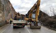 Възстановиха движението по пътя Своге – Ребърково