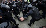 Руската полиция пребива и арестува протестиращи
