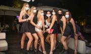 Разпореждане: Нощните клубове затварят, младите да не си правят срещи навън