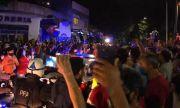 Хиляди съпроводиха катафалката с Марадона