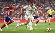 Нападател на Реал Мадрид се забавлява, показа умения различни от футболните (ВИДЕО)