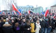 Хиляди на протест във Варшава