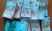 Митничари намериха 250 000 недекларирани евро в хладилен автомобил