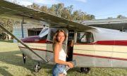 Красива австралийка - пилот-мечта за всеки частен самолет (СНИМКИ)