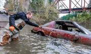 Гмуркачи откриха подводно гробище за автомобили (ВИДЕО)